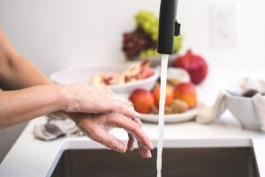 How to clean your kitchen sink without using chemicals